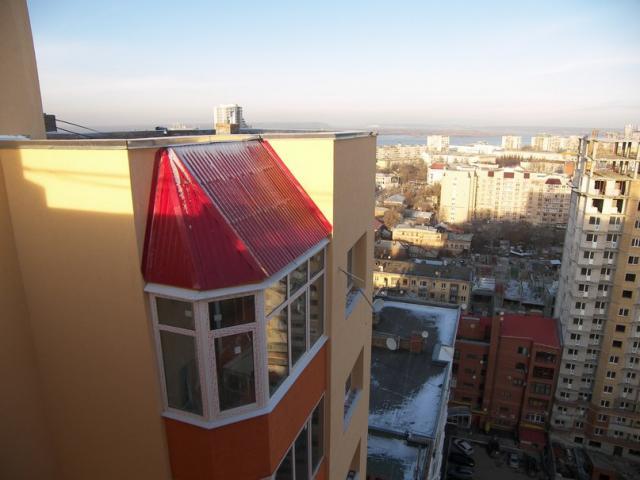 Установка крыши на балкон последнего этажа, виды крыш и поша.