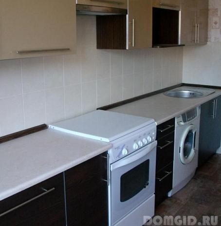 Столешница около газовой плиты столешница на небольшой кухне фото