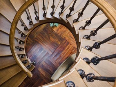 Балясины из дерева для лестницы - фото, разновидности