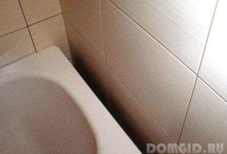 чем заделать щель между пластиковой фигурной ванной джакузи и стеной