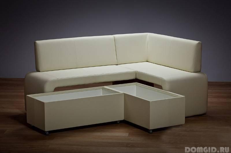 диван в интерьере современной кухни варианты